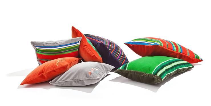 Poduszki Folka.pl z ręcznie tkanym pasiakiem łowickim: styl , w kategorii Salon zaprojektowany przez FOLKA,