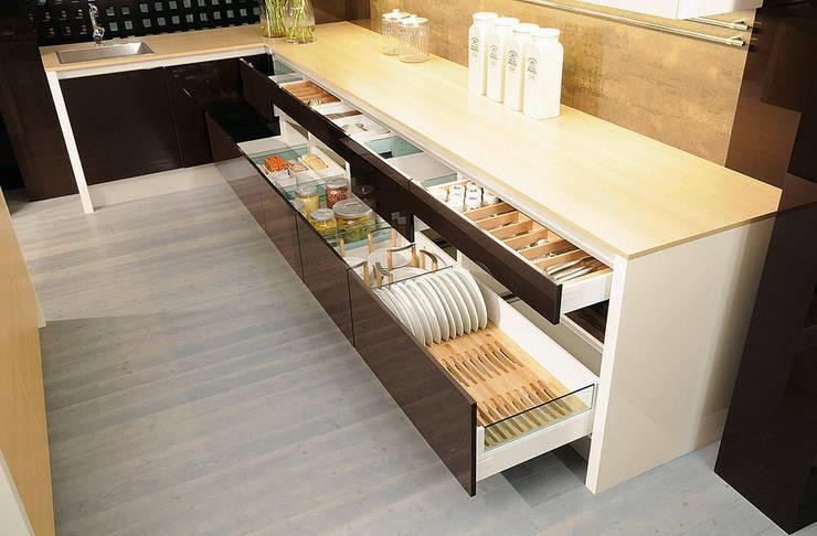 Cozinha  por DanKüchen Studio Hengelo
