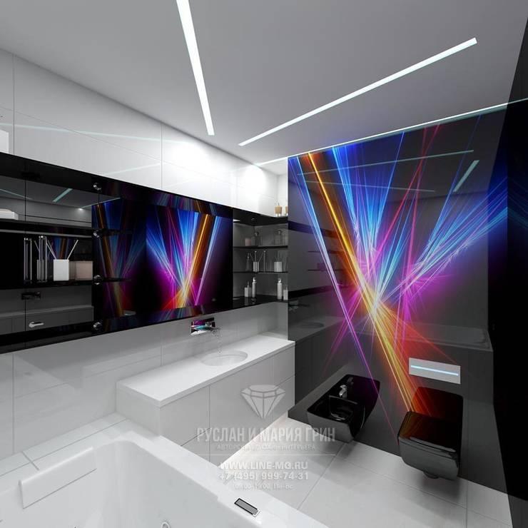 Интерьер ванной в футуристическом стиле: Ванные комнаты в . Автор – Студия дизайна интерьера Руслана и Марии Грин, Эклектичный