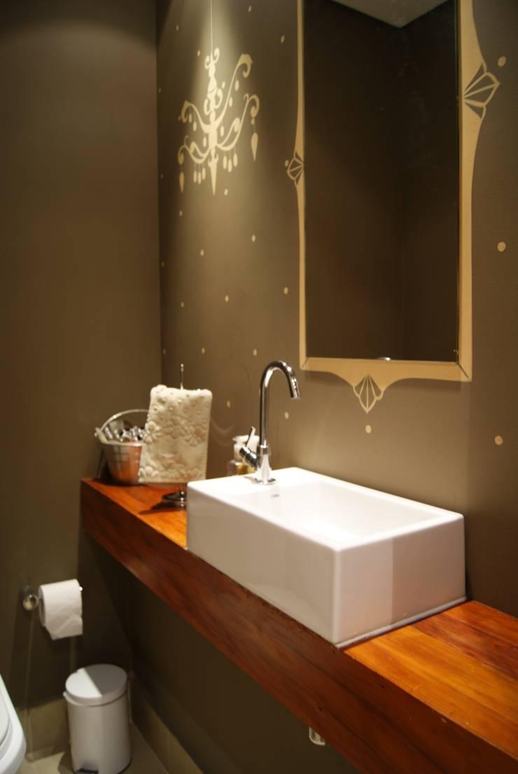 BB: Banheiros  por Luciana Tomas Arquitetura,