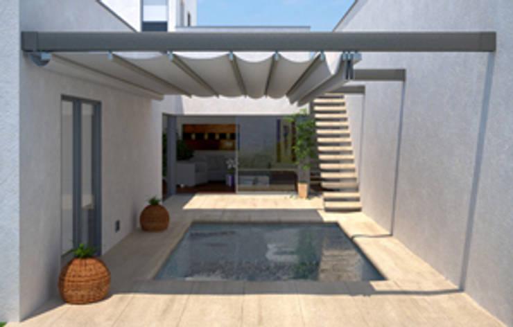 Pérgola de aluminio entre dos paredes: Balcones y terrazas de estilo  de Comercial MecanoToldo S.L.U