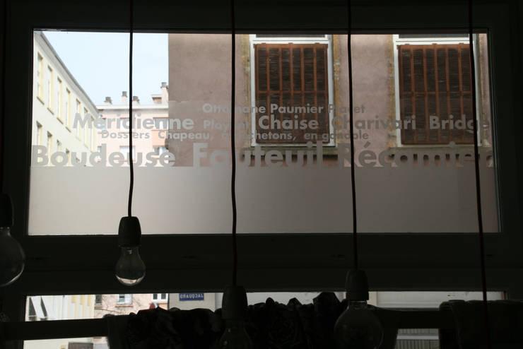 décor termes tapisserie en film dépoli: Fenêtres & Portes de style  par Reseda (RessourceS en Edition D'Art)