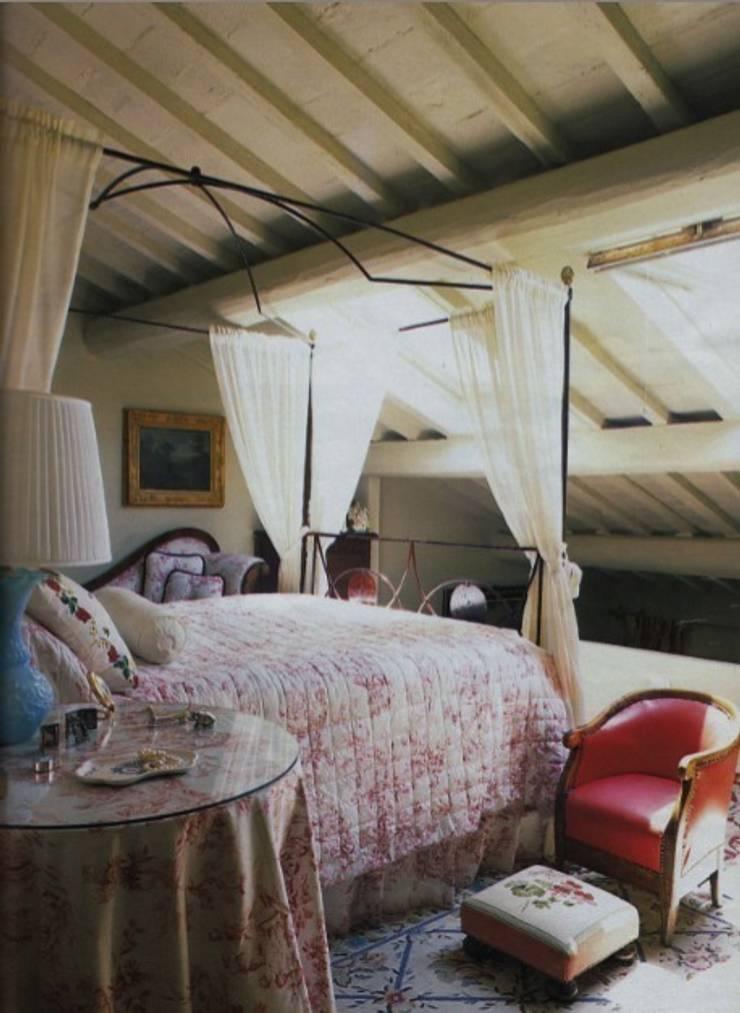 Appartamento in Oltrarno - Firenze: Camera da letto in stile  di Studio Mazzei Architetti