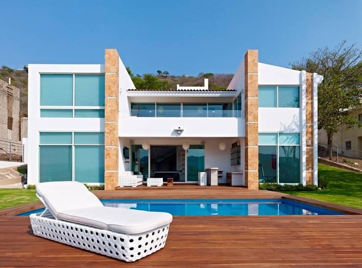 Casas modernas por Excelencia en Diseño