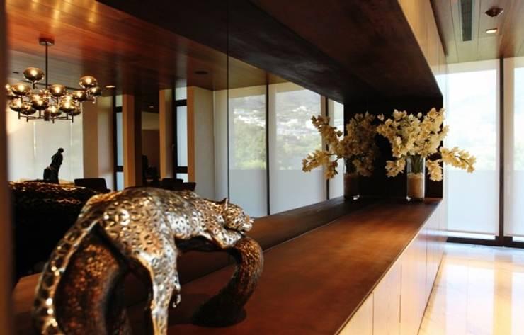 Interiorismo Dept. Edificio El Alear: Hogar de estilo  por BAO