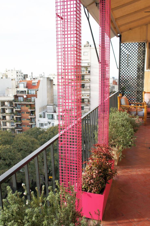 Un Balcón para una Coleccionista de Arte: Terrazas de estilo  por Estudio Nicolas Pierry: Diseño en Arquitectura de Paisajes & Jardines,Moderno