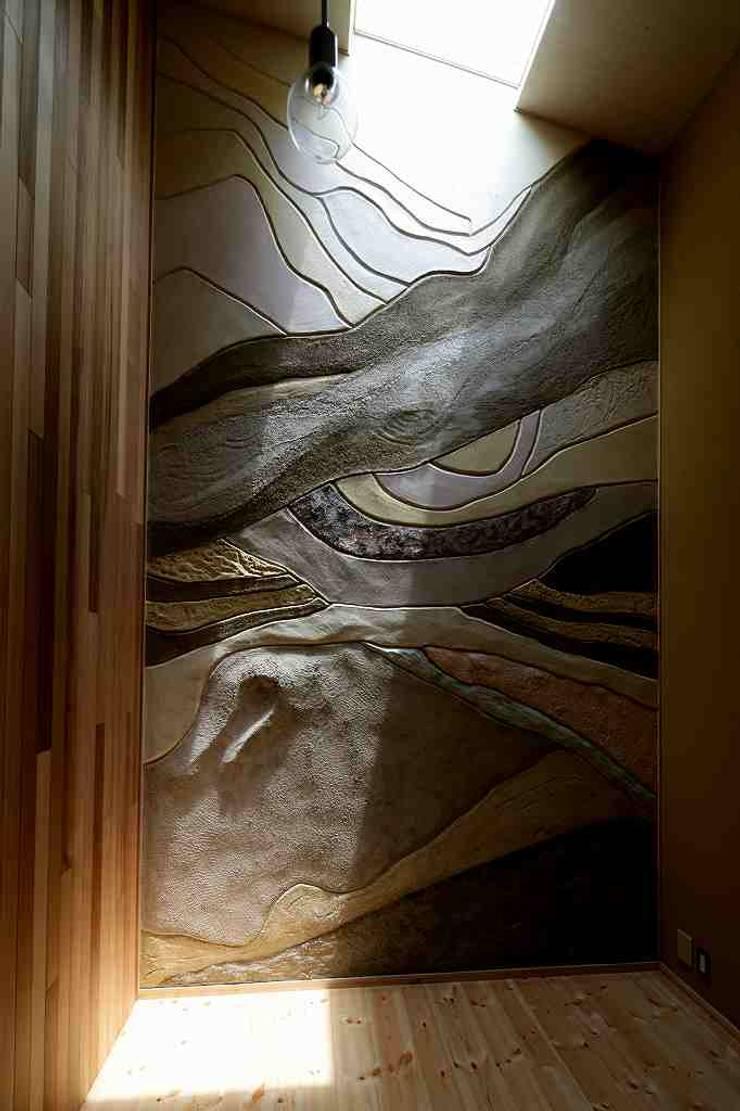 住い手が塗った壁: 後藤建築設計が手掛けた勉強部屋/オフィスです。