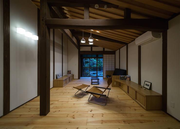 出水の家 古民家再生工事: TOM建築設計事務所が手掛けたです。