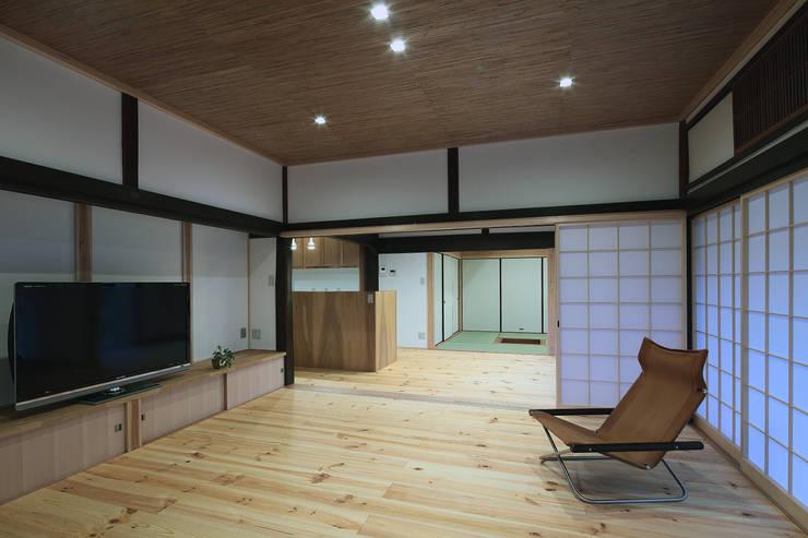 石内の家 古民家再生工事: TOM建築設計事務所が手掛けたです。