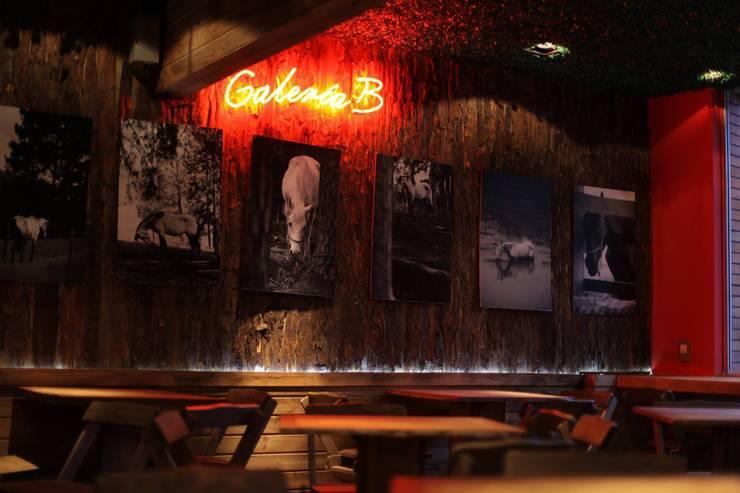 BBurger Fast Food Vegano: Espaços gastronômicos  por Liana Salvadori Arquitetura e Interiores