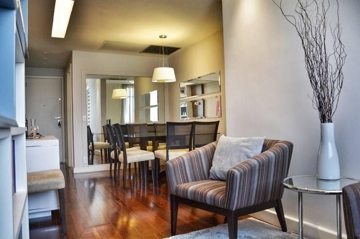 Antes e Depois apartamento Gávea, RJ: Salas de jantar  por ARQUITETURA - Camila Fleck