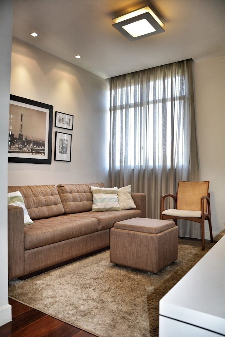 Antes e Depois apartamento Gávea, RJ: Salas de estar  por ARQUITETURA - Camila Fleck
