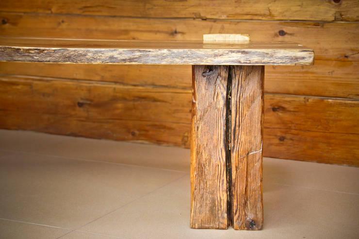 Stolik kawowy z orzecha: styl , w kategorii Sztuka zaprojektowany przez Old Wood Design