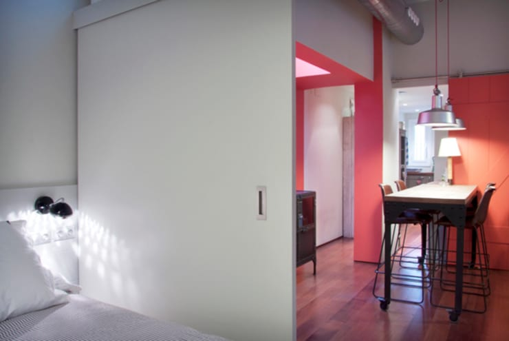 vista desde zona dormitorio: Dormitorios de estilo  de zazurca arquitectos