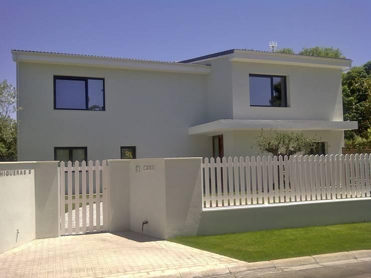 Casas de estilo  por Bescos-Nicoletti Arquitectos