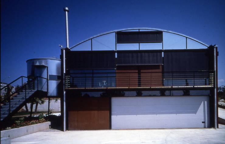 CASA NAVE INDUSTRIAL: Casas de estilo  de zazurca arquitectos