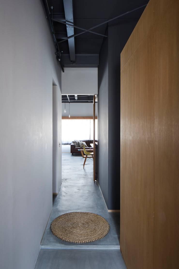 エントランス: 株式会社 藤本高志建築設計事務所が手掛けたです。