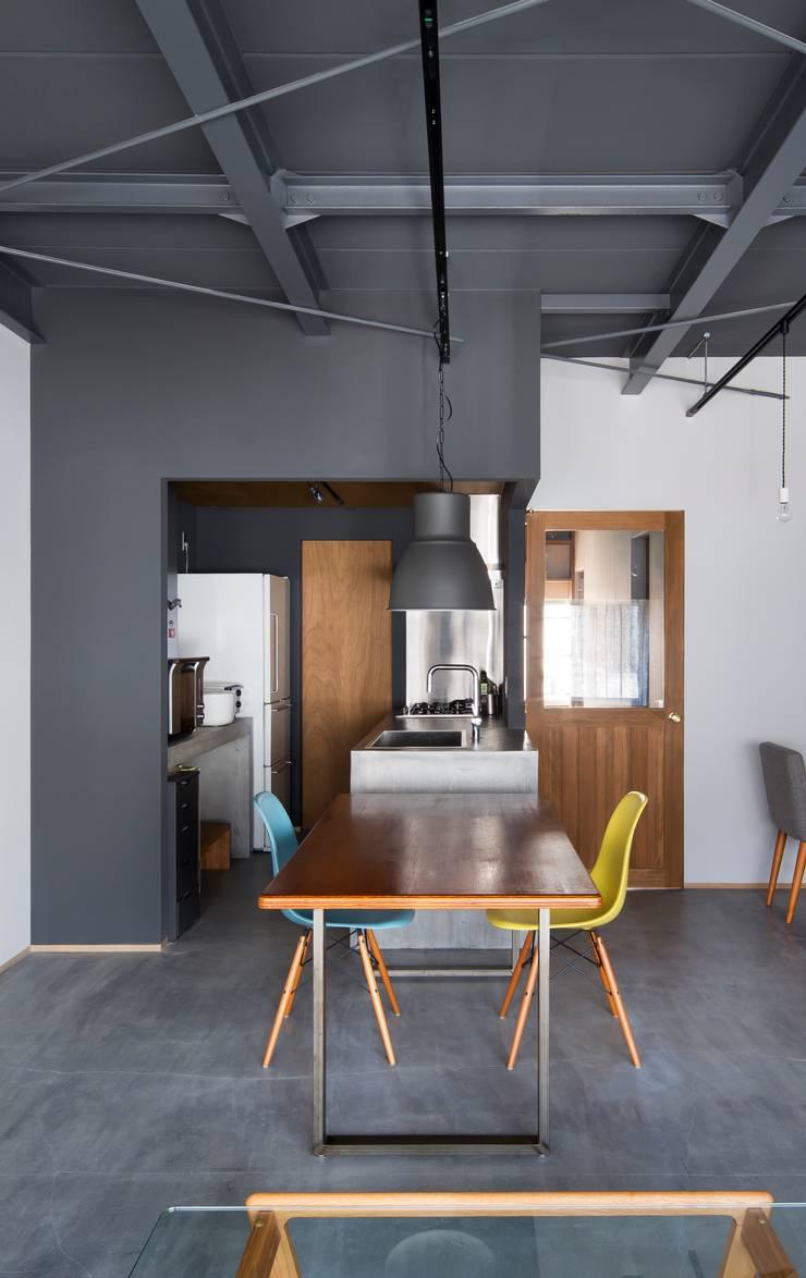 キッチン: 株式会社 藤本高志建築設計事務所が手掛けたです。