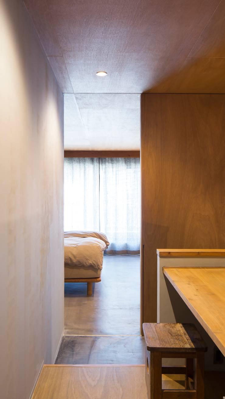 寝室: 株式会社 藤本高志建築設計事務所が手掛けたです。
