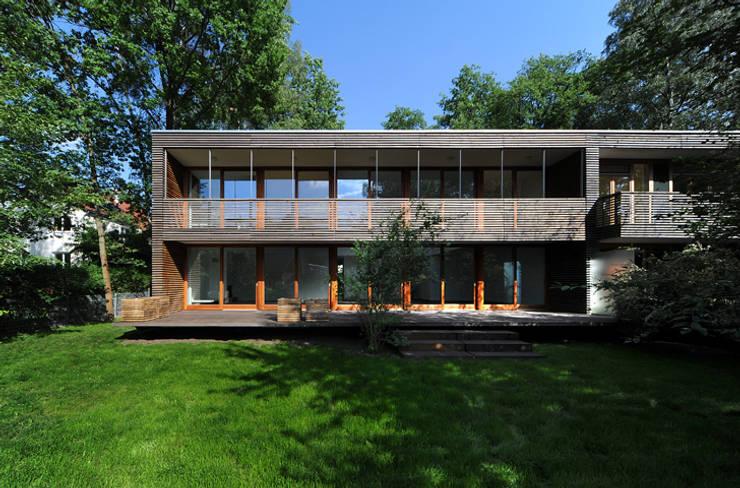 Kapuzinerweg:  Häuser von Carlos Zwick Architekten