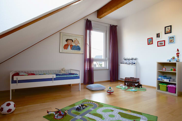Kinderzimmer DG:  Kinderzimmer von Traumhaus das Original - Dirk van Hoek GmbH
