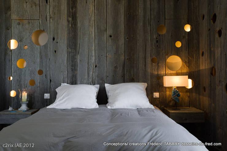 tete de lit: Chambre de style  par Tabary Le Lay