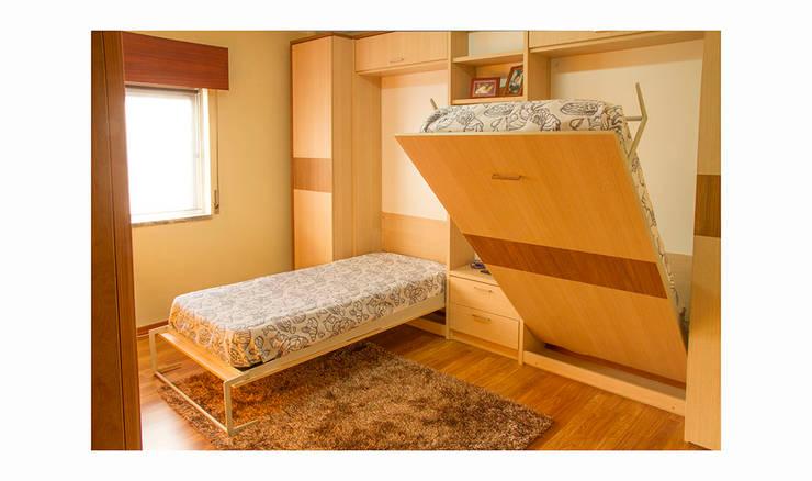 Duas camas rebativeis de solteiro: Quarto  por GenesisDecor