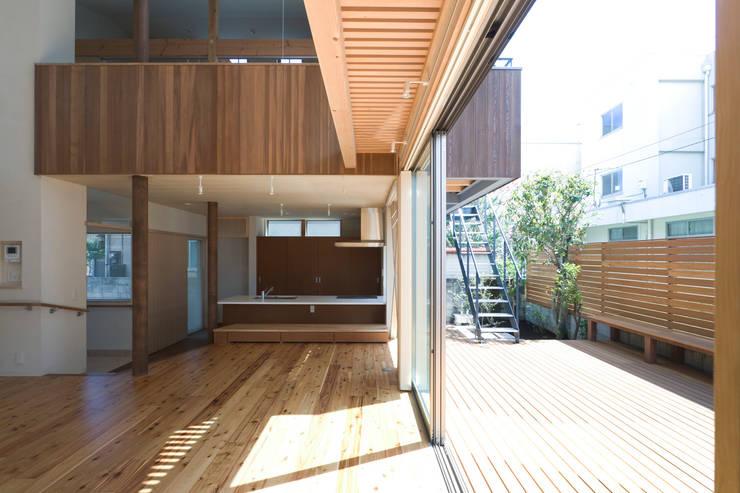 Patios & Decks by 松本剛建築研究室