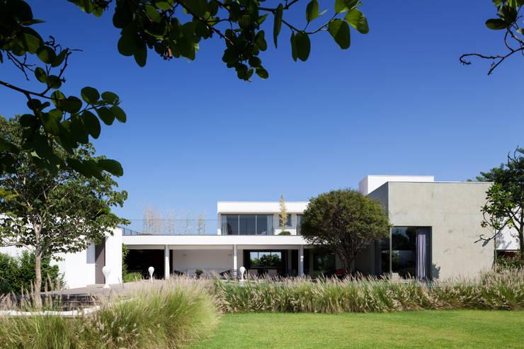 Houses by Consuelo Jorge Arquitetos