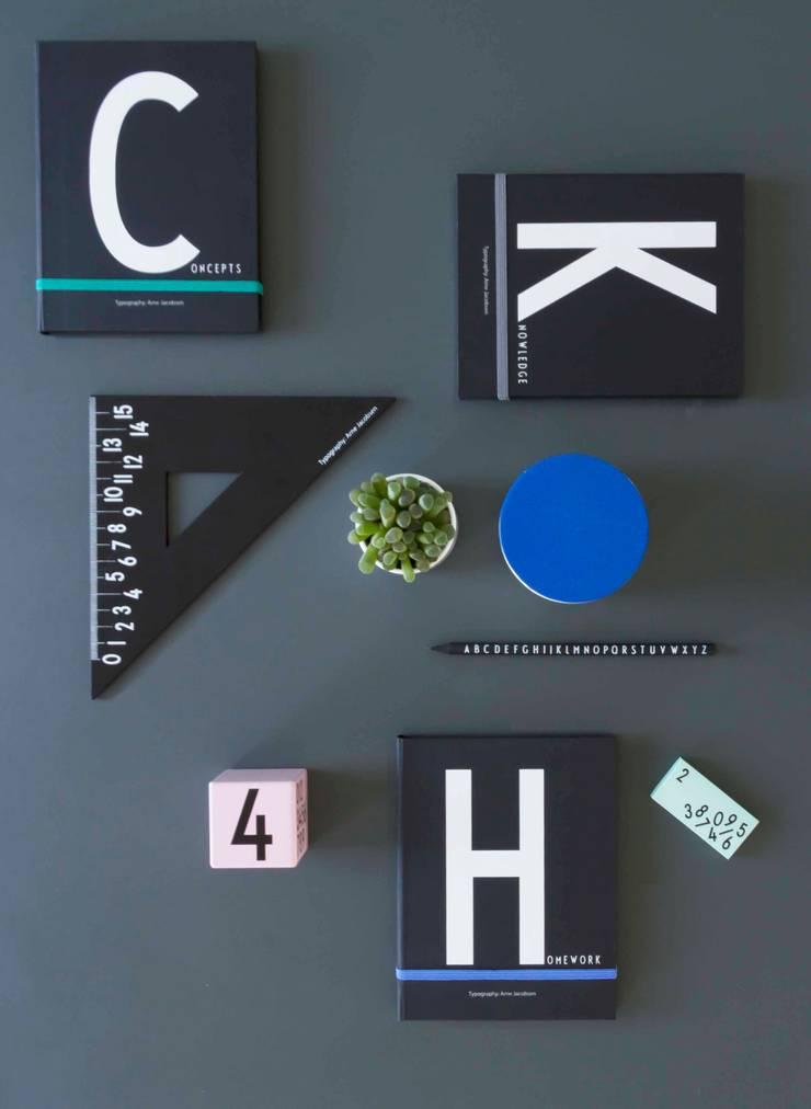 Uitgebreide collectie kantoorbenodigdheden van Design Letters: modern  door Kleuroptafel, Modern