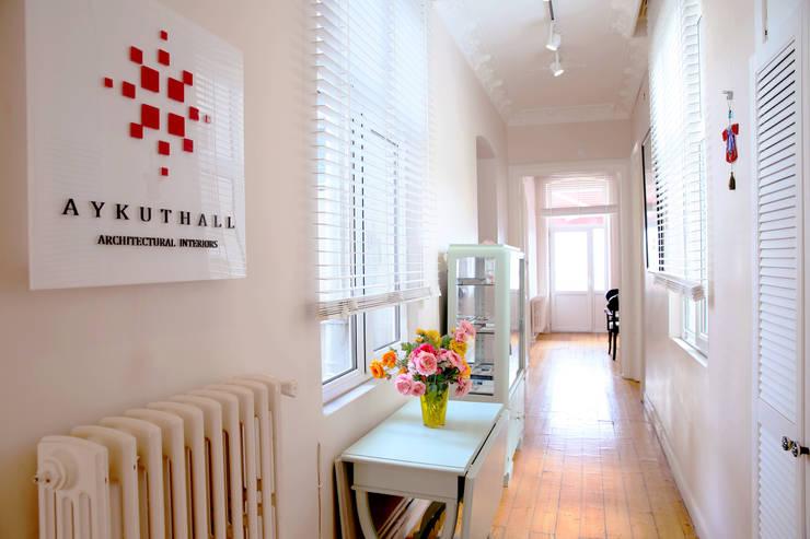 Aykuthall Architectural Interiors – Aykuthall Office 2015:  tarz Koridor ve Hol