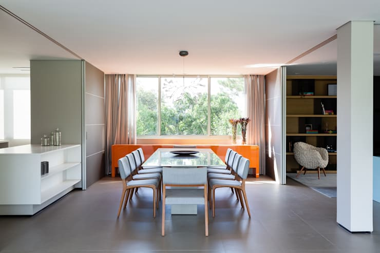 Dining room by Consuelo Jorge Arquitetos