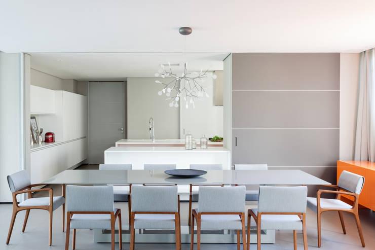 Comedores de estilo minimalista de Consuelo Jorge Arquitetos