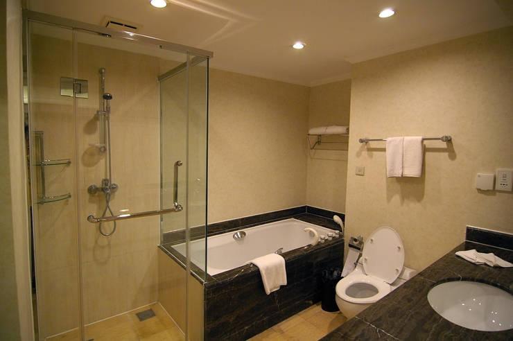 Banyo Tadilatları – Banyo Tasarımı : klasik tarz tarz Banyo