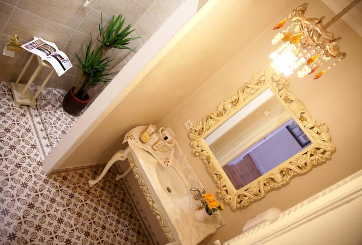 Aykuthall Architectural Interiors – Aykuthall Office 2015: klasik tarz tarz Banyo
