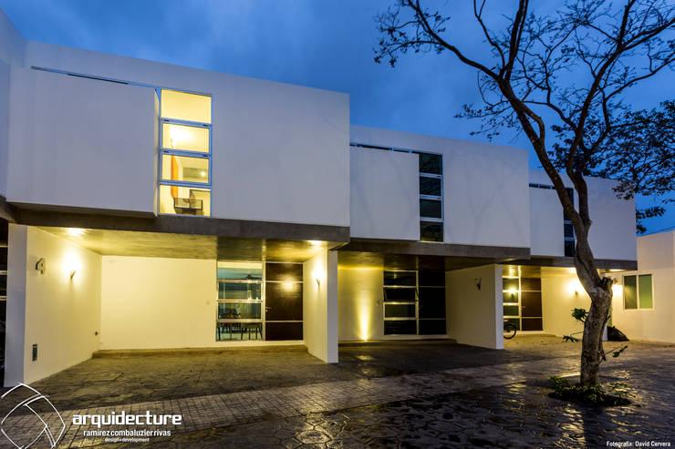 Fachadas Villas Norte: Casas de estilo  por Grupo Arquidecture