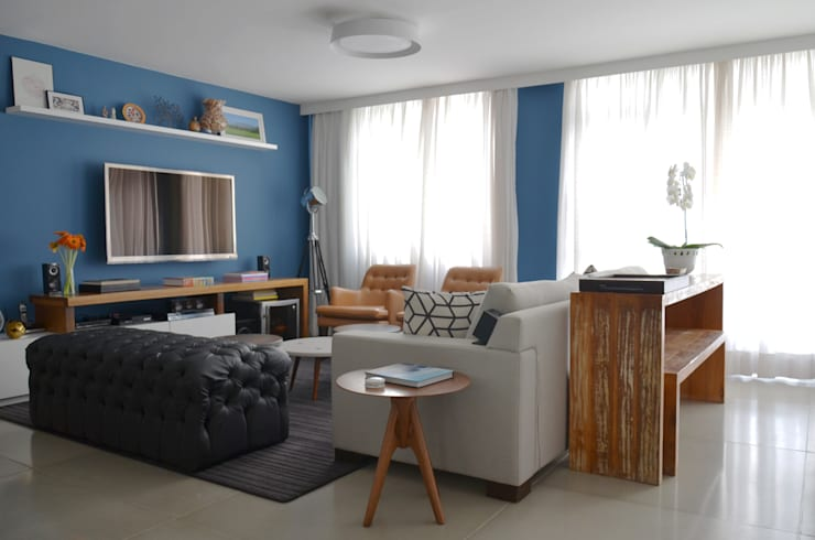 Living room by Mmaverick Arquitetura,