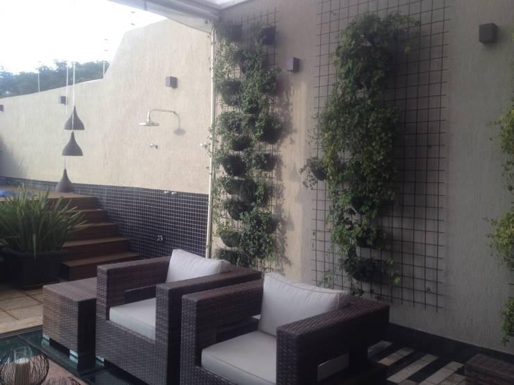 Projeto Paisagístico Residencial – 2014: Paisagismo de interior  por Rizck Paisagismo