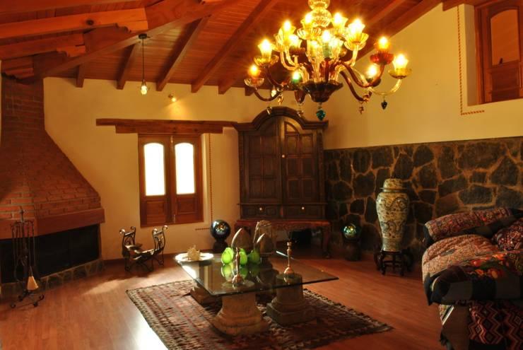 Master Suite: Hoteles de estilo  por Dovela Interiorismo