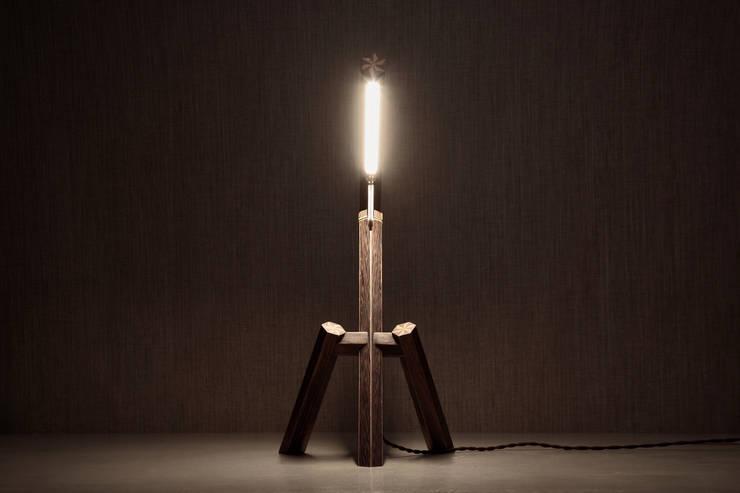 Yosegi Light_total:  Arbeitszimmer von Marco Iannicelli