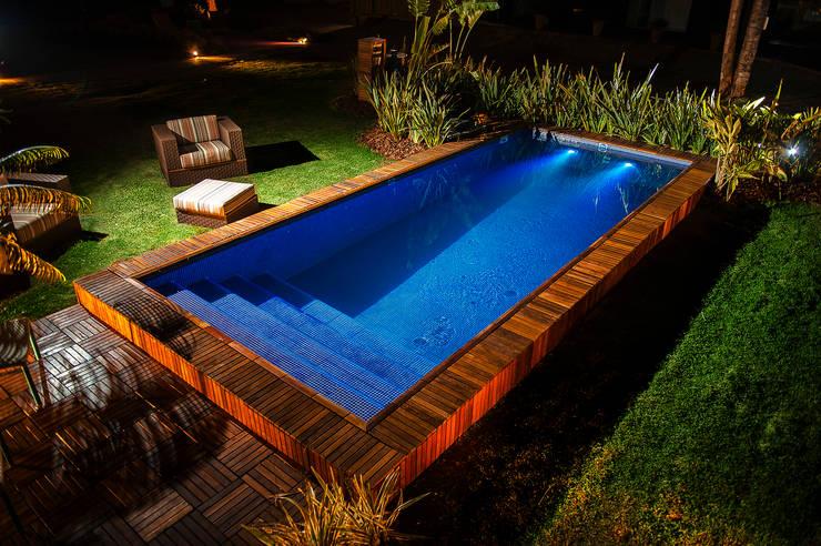 Zwembad door Adines Ferreira Paisagismo