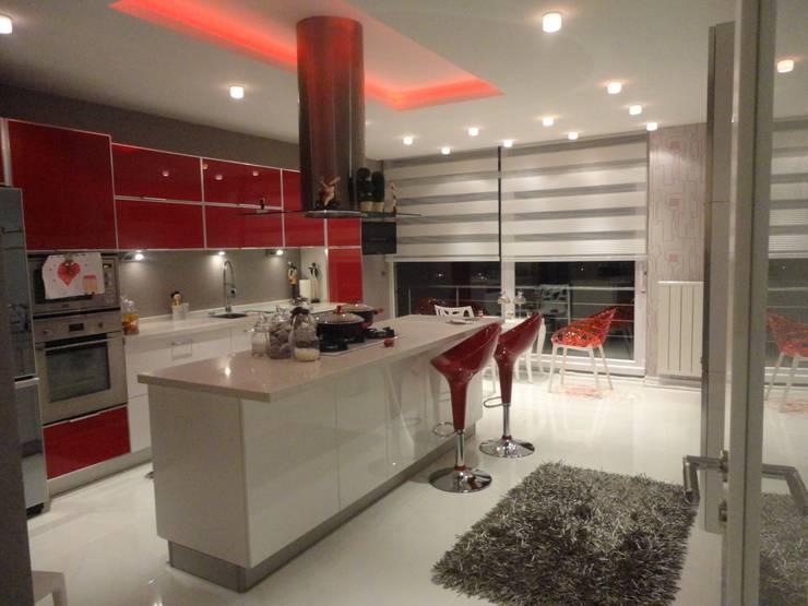 Vizyon mimarlık ve Dekorasyon – N.A.A EVİ / Uzunköprü - EDİRNE: modern tarz Mutfak