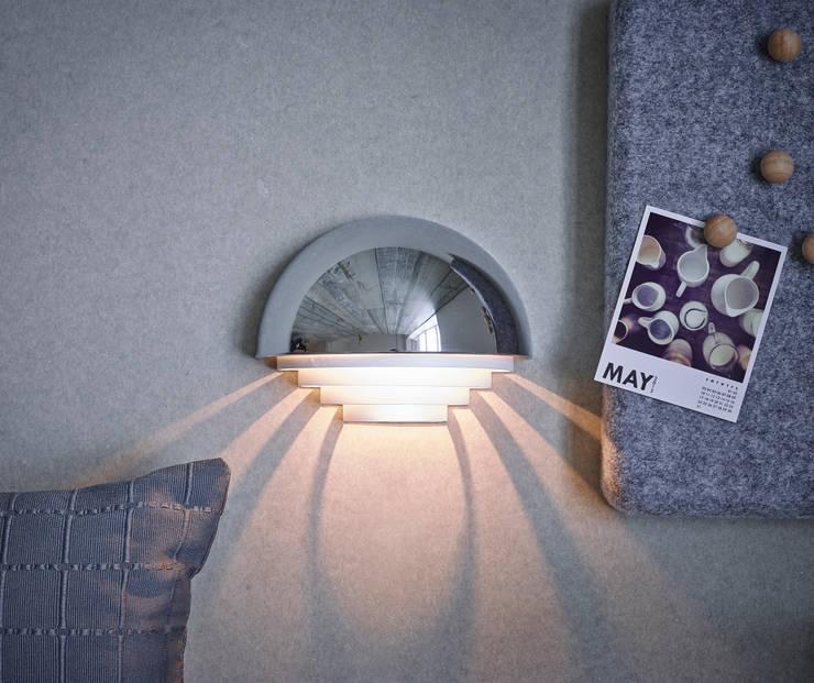 Dormitorios de estilo minimalista de Herstal A/S