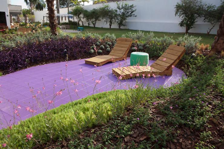 Projekty,  Ogród zaprojektowane przez Adines Ferreira Paisagismo