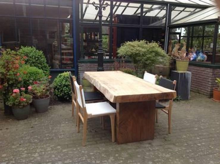 Boomstam tafel van suar of mehwood :   door Ars Longa, Scandinavisch