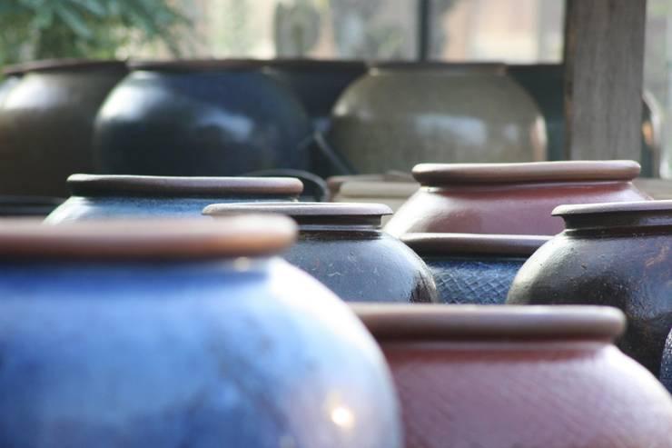Potten afkomstig uit de provincie Anhui uit China:   door Ars Longa, Aziatisch