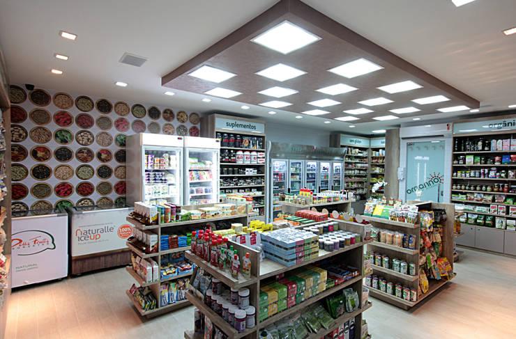 Organno – Loja produtos naturais: Espaços comerciais  por Celia Beatriz Arquitetura,Rústico