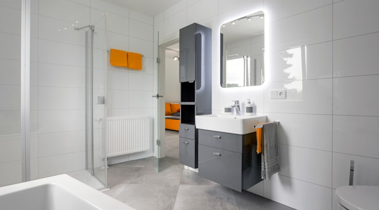 ICON Wohnbeispiel Badgestaltung:  Badezimmer von Dennert Massivhaus GmbH