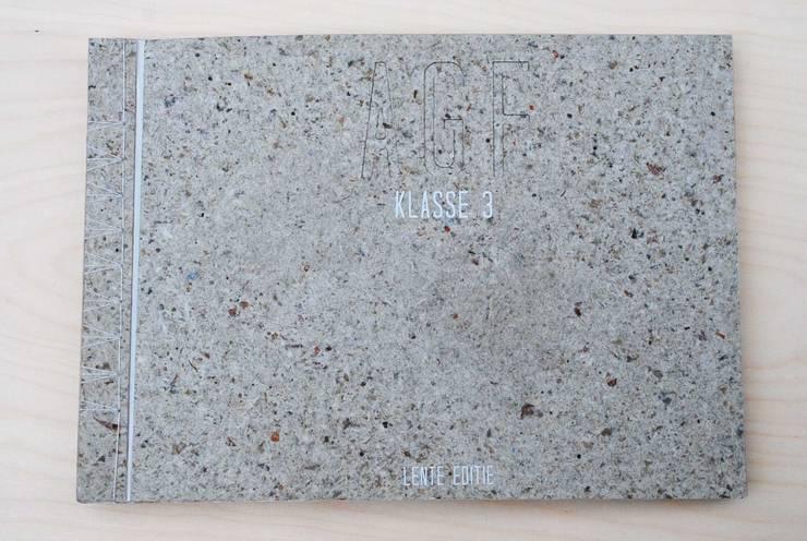 AGF Klasse 3 Cover: modern  door Studio Renee Boute, Modern