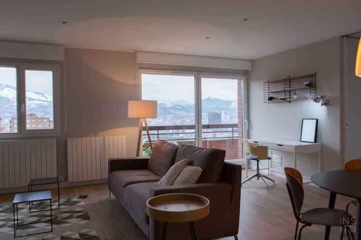 Reforma de vivienda en Bilbao:  de estilo  de A54Insitu
